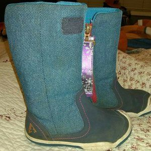 PLAE Claire Girls Snowflake Zip Boots Size 8 Blue